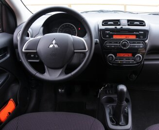 Mitsubishi Space Star interior